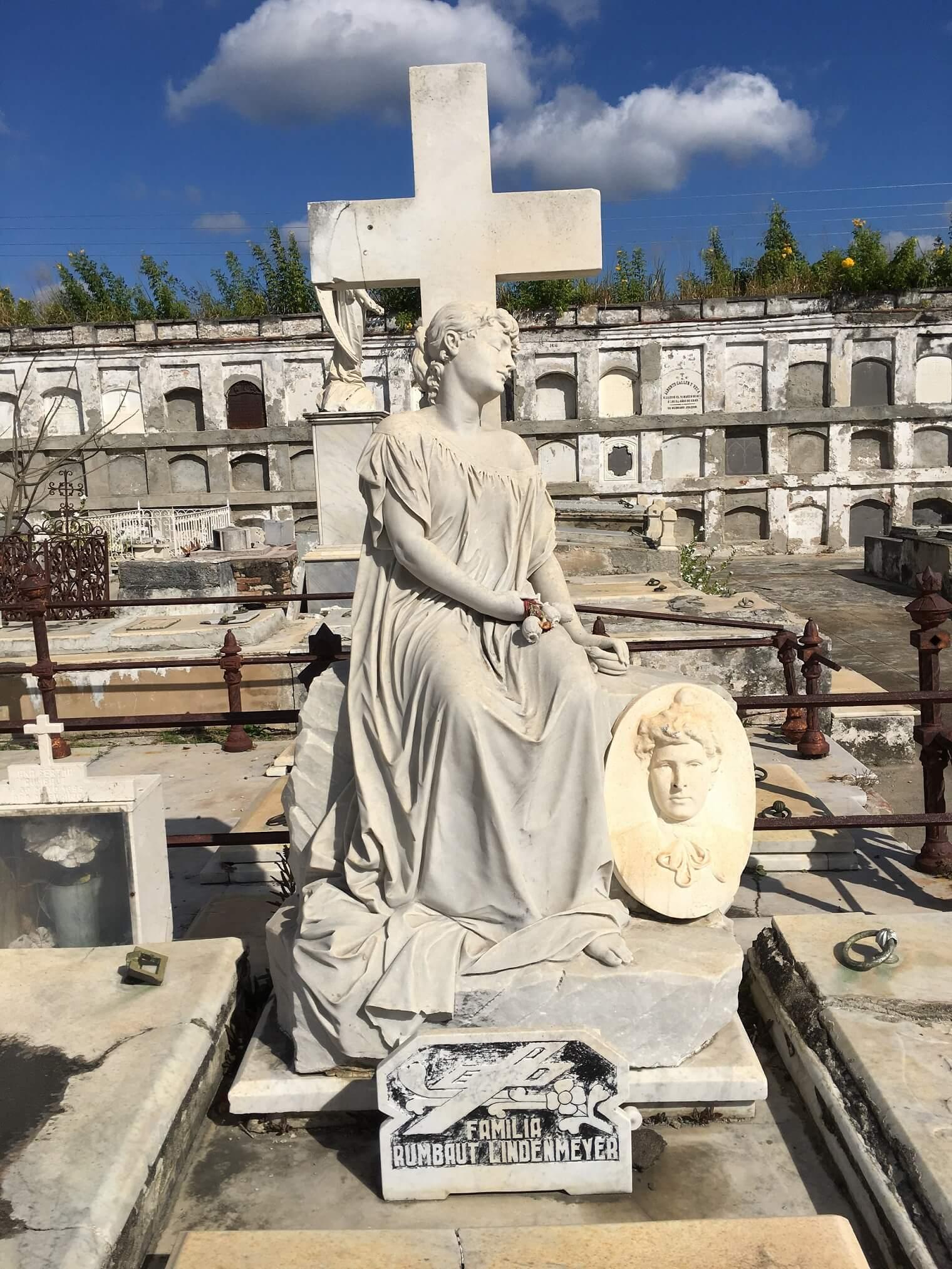 Sleeping Beauty: Things to Do in Cienfuegos