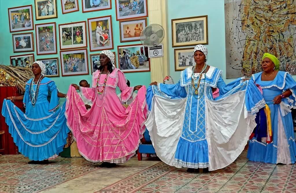 Folkdance reenactment in Santiago de Cuba