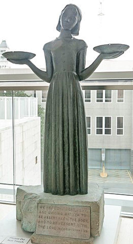Bird Girl statue.