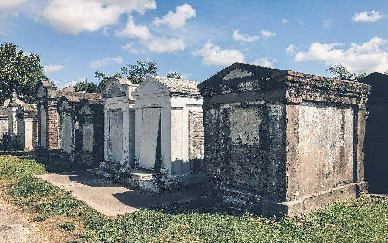 New Orlenas cemetery, most haunted places in the world