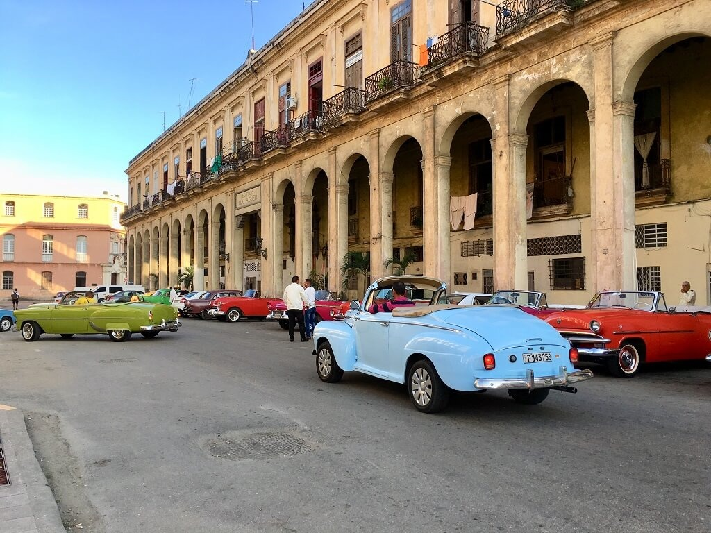 ride classic cars. one of the best things to do in Havana