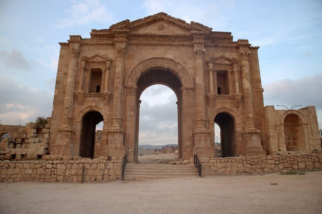 Main Avenue in Jerash, best places to visit in Jordan