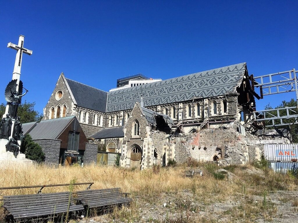 see Christchurch cathedral on your Australia dn New Zealand itinerary