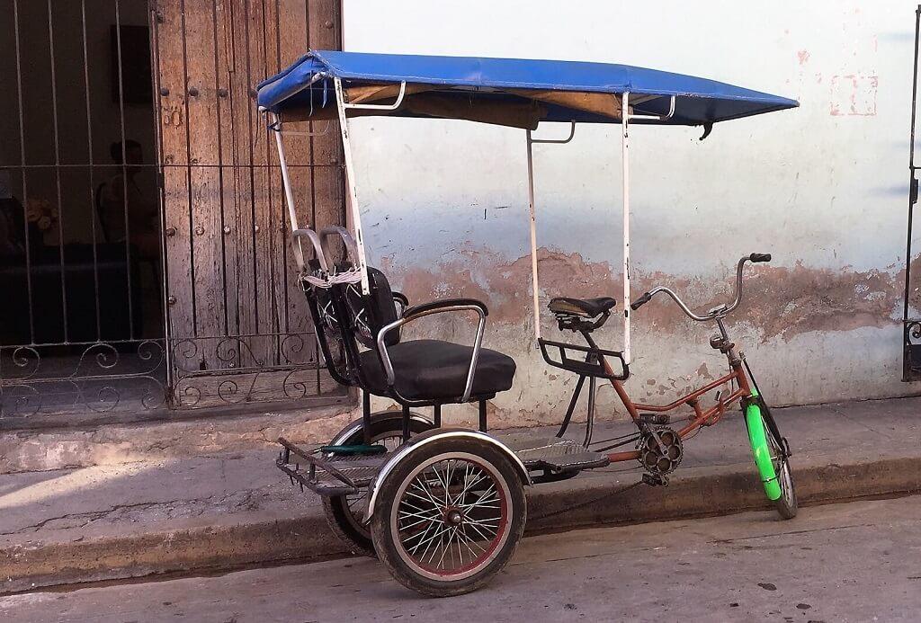 bici-taxi Cuban Transportation