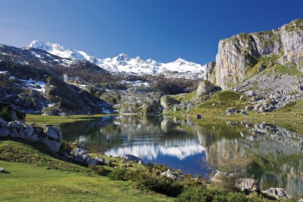 Lake on 2 week Asturias itinerary
