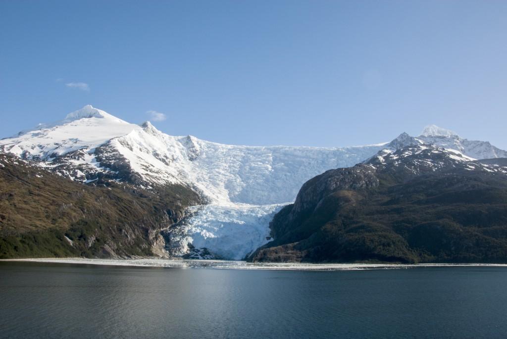 Travel Inspired by Books - Perito Moreno Glaciers