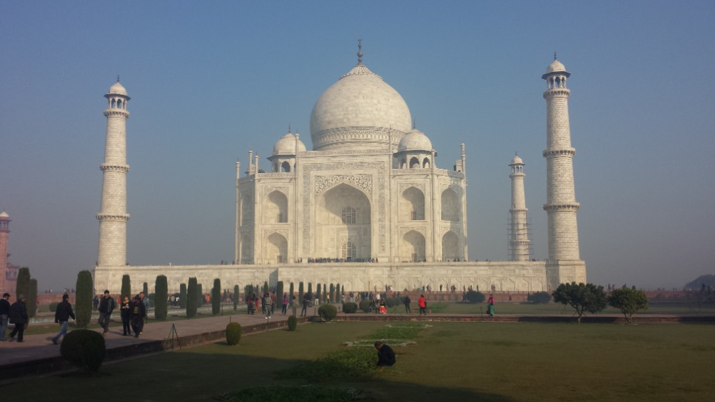 Taj Mahal in India. Describes books to read before trveling to Asia