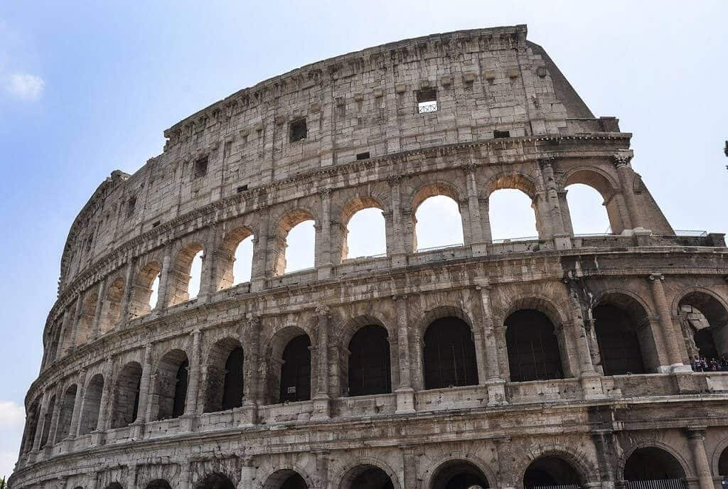 The coliseum where scams are common