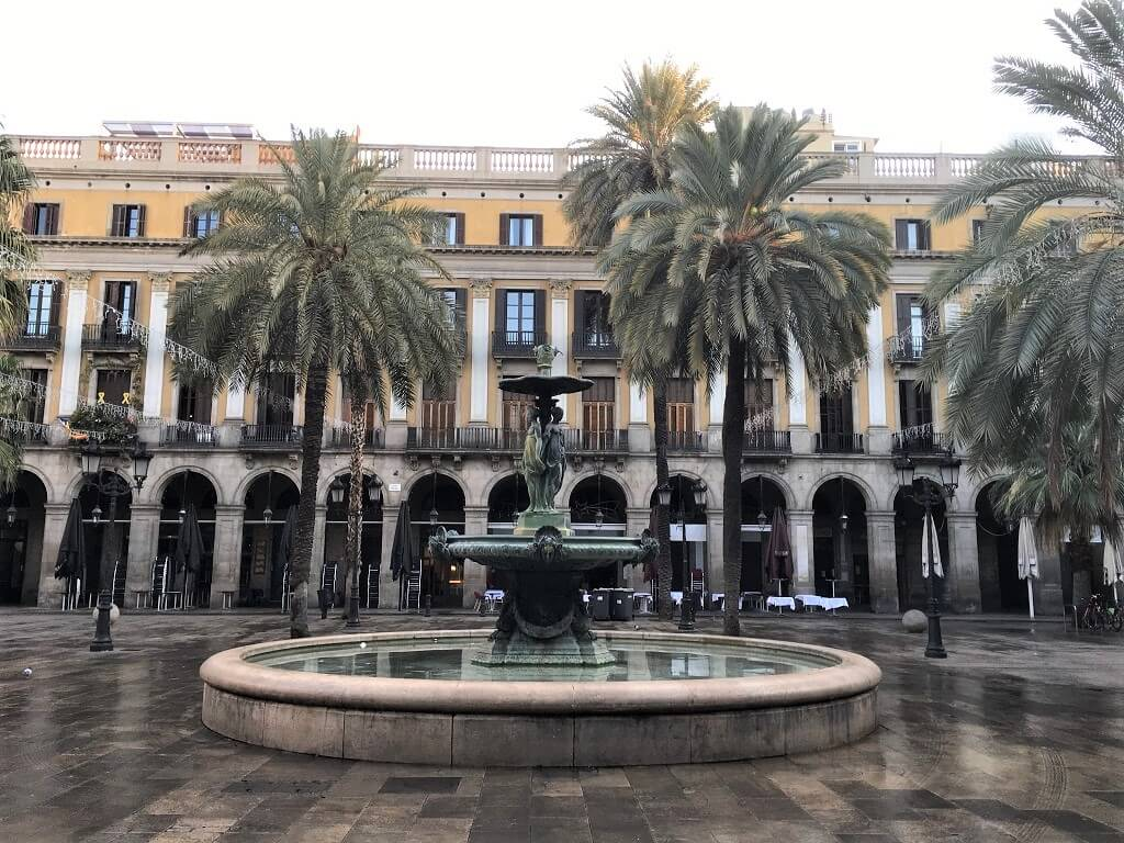 Plaza Real is a must see on your two days in Barlelona itinerary