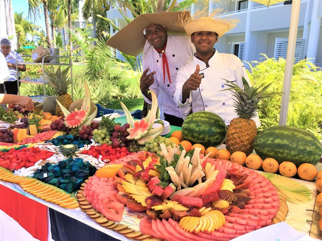 Fruit an waiters in Punta Cana