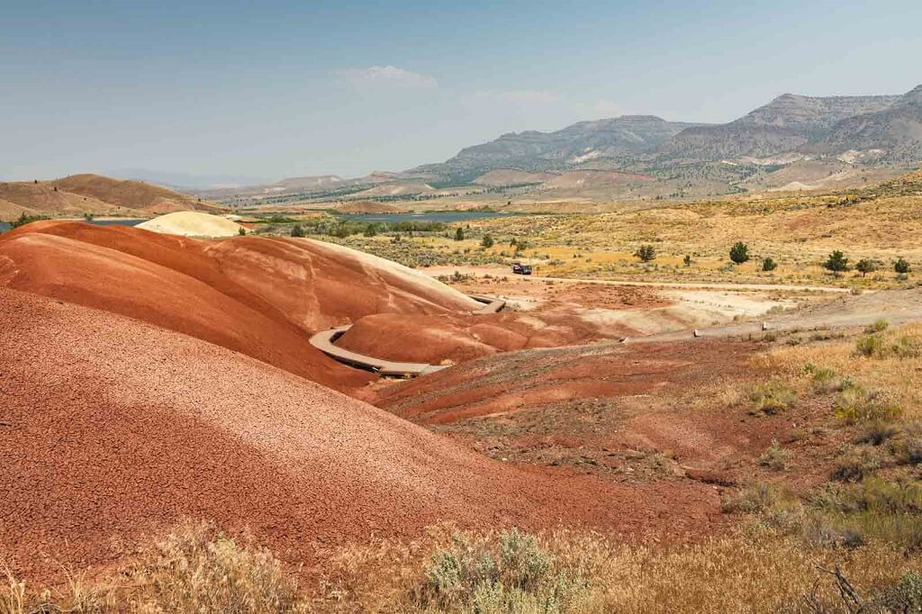 The painted hills in Oregon and ideal off-the-beaten-track vacation spot