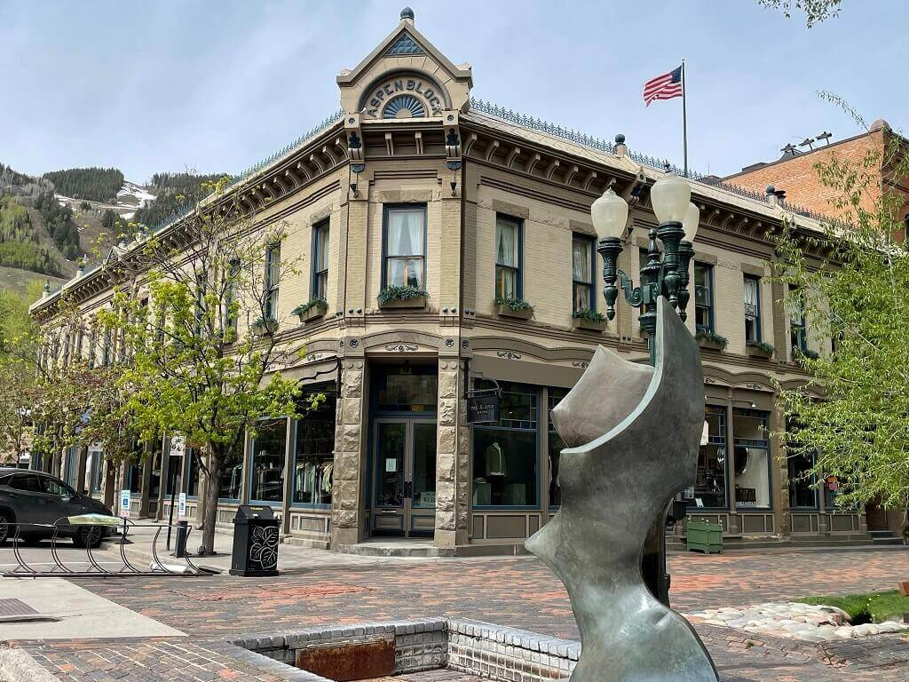 A building in Aspen, Colorado visited on the Colorado to Utah road trip